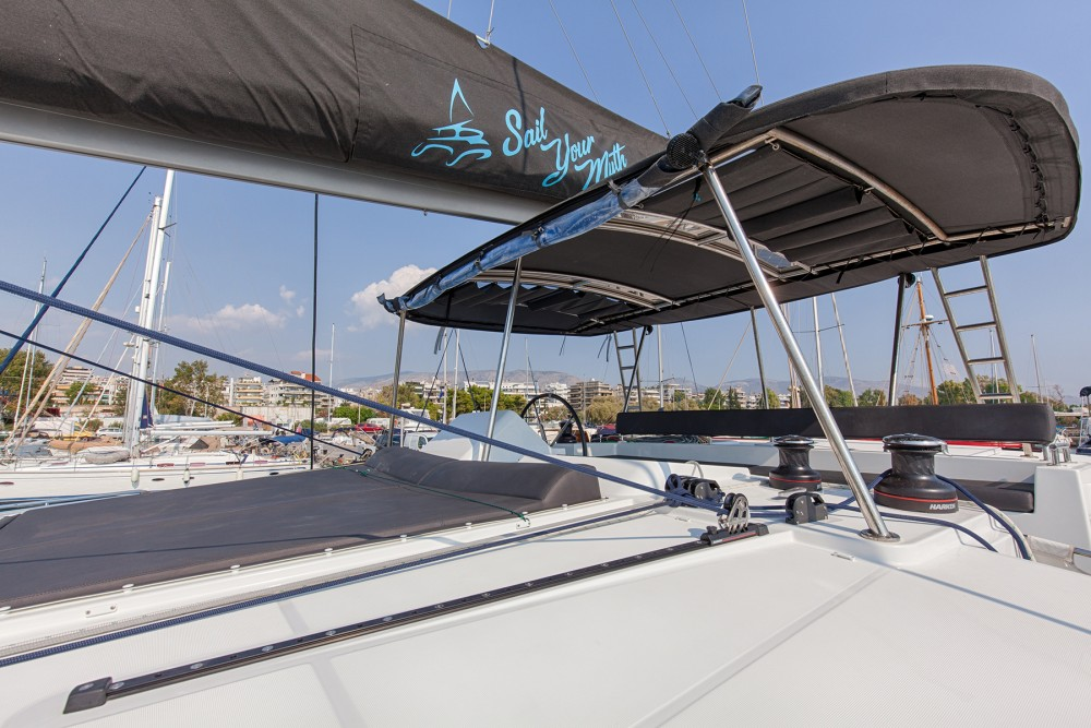 Rental Catamaran in Álimos - Lagoon Lagoon 450  Flybridge