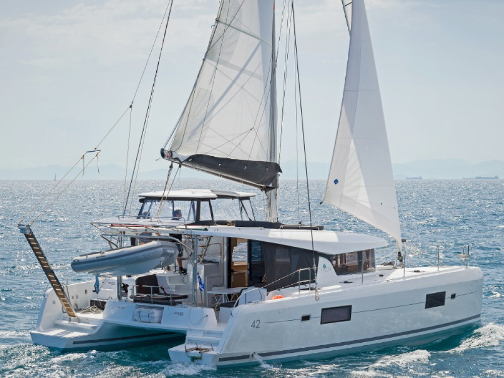 Hire Catamaran with or without skipper Lagoon Álimos