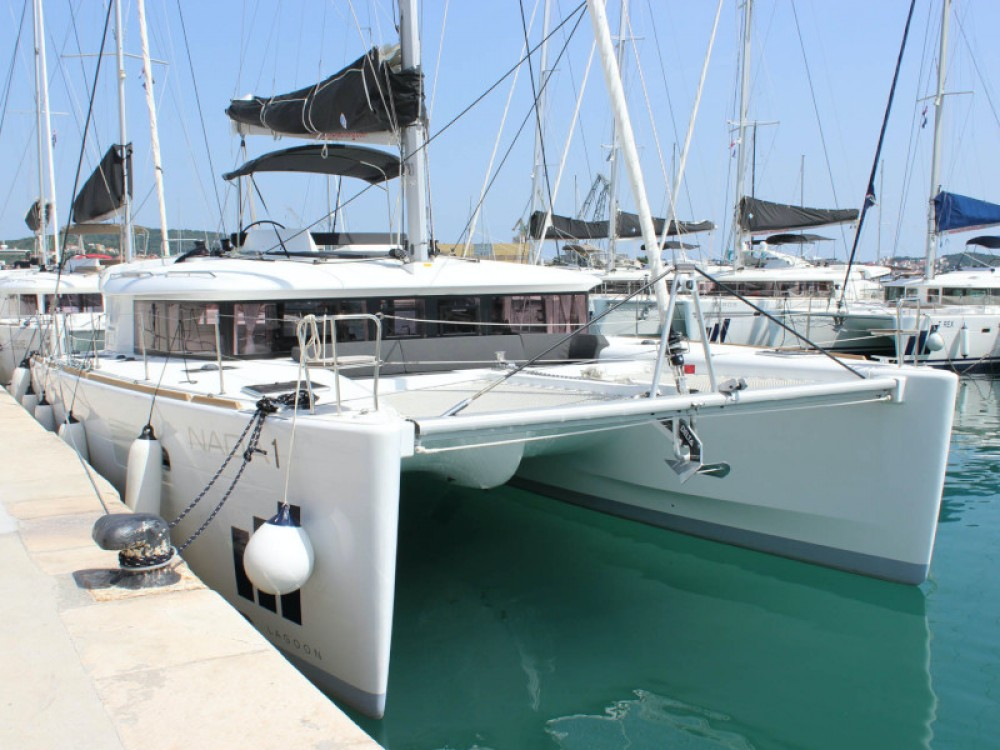 Rental Catamaran in Donji Seget - Lagoon Lagoon 450