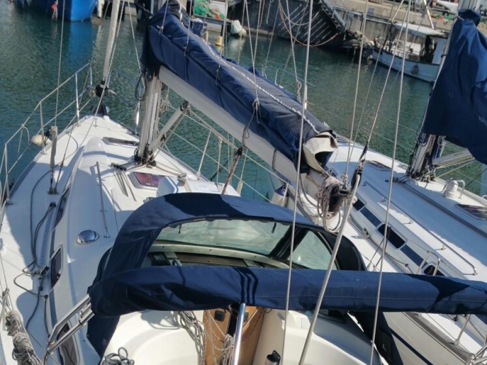 Rental yacht Genoa - Bavaria Bavaria 35 Cruiser on SamBoat