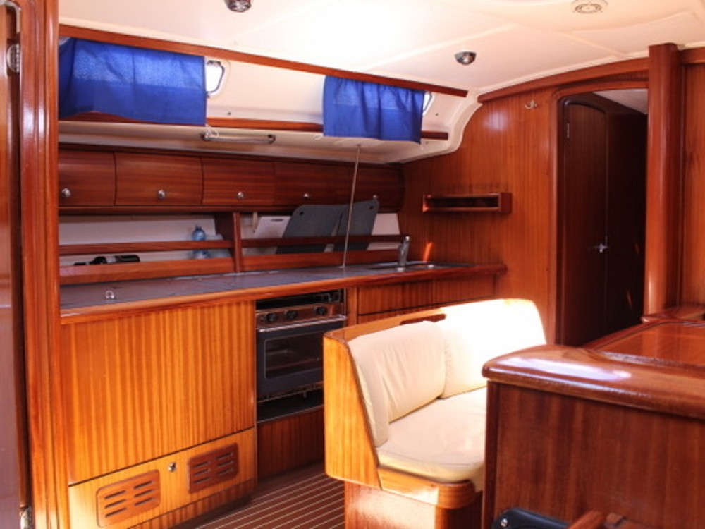 Rental yacht Genoa - Bavaria Bavaria 44 on SamBoat