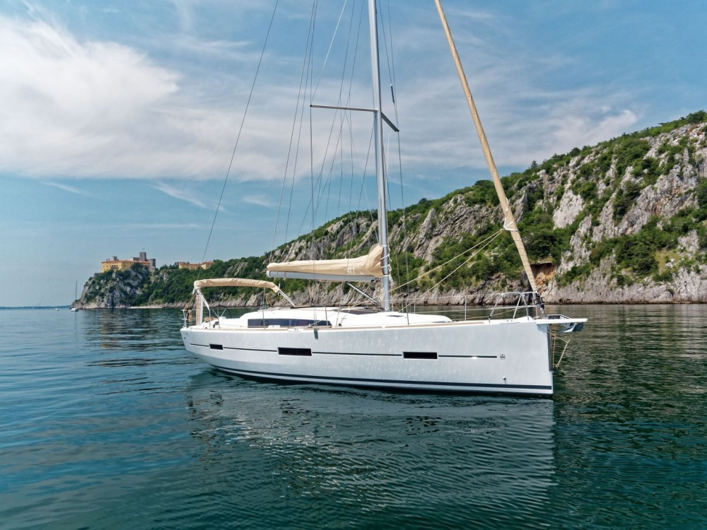 Hire Sailboat with or without skipper Dufour Cagliari