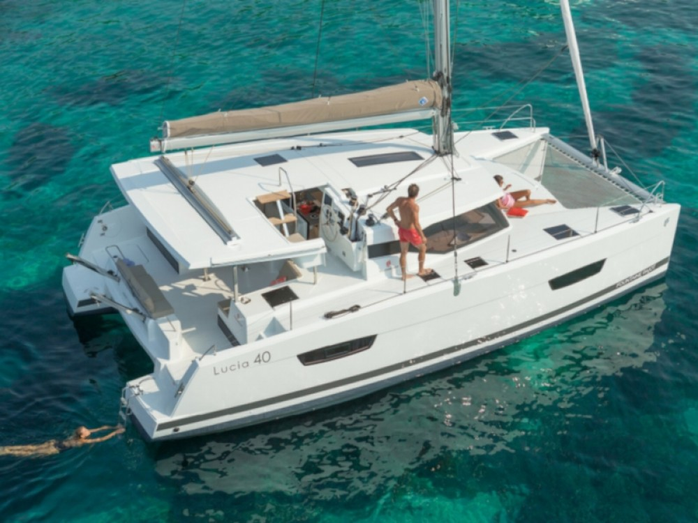 Boat rental Fountaine Pajot Lucia 40 in Palamós on Samboat