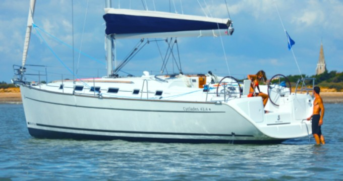 Rental yacht Nettuno - Bénéteau Cyclades 43.4 on SamBoat
