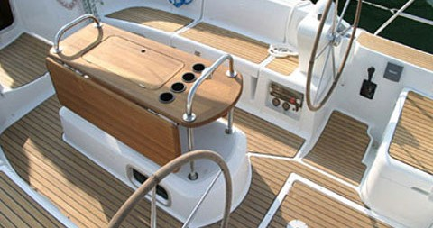 Rental Sailboat in Nettuno - Jeanneau Sun Odyssey 45