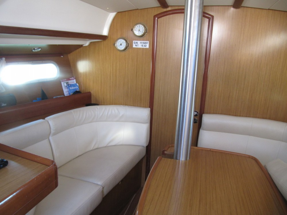 Hire Sailboat with or without skipper Jeanneau Alcúdia
