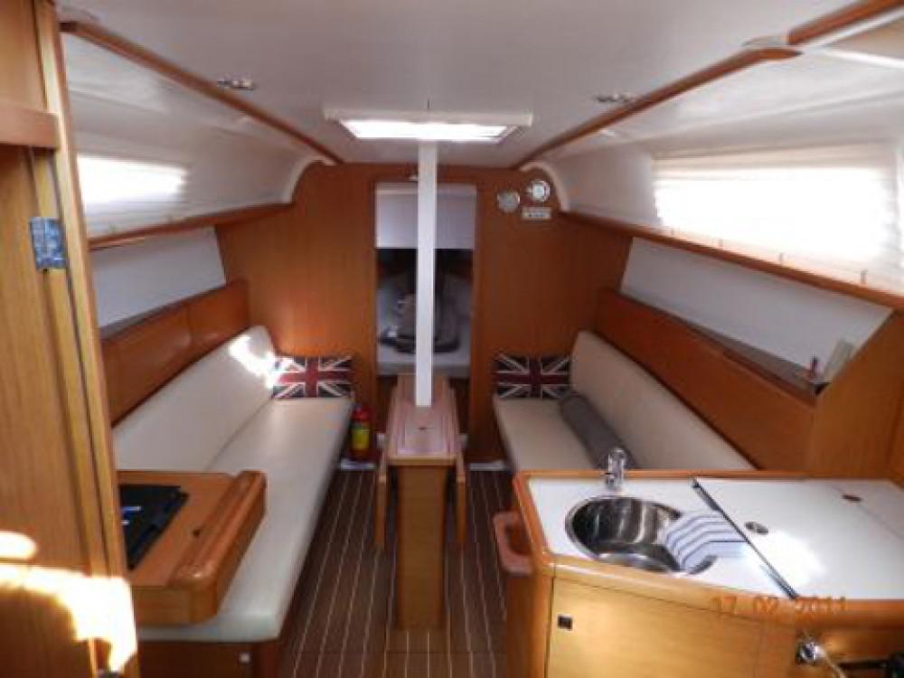 Rental Sailboat in Port de Pollença - Jeanneau Sun Odyssey 33i