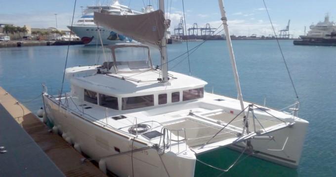 Rental Catamaran in Sant Antoni de Portmany - Lagoon Lagoon 450 F
