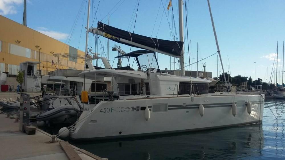 Boat rental  cheap Lagoon 450 Fly