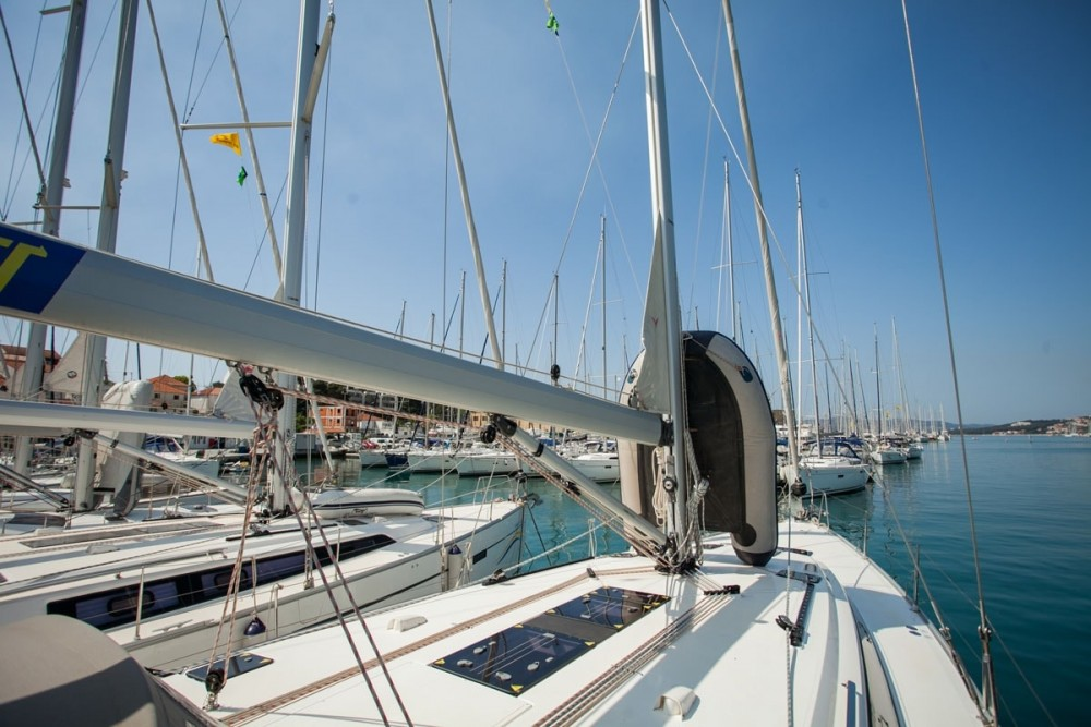 Rental Sailboat in Trogir - Bavaria Bavaria Cruiser 51