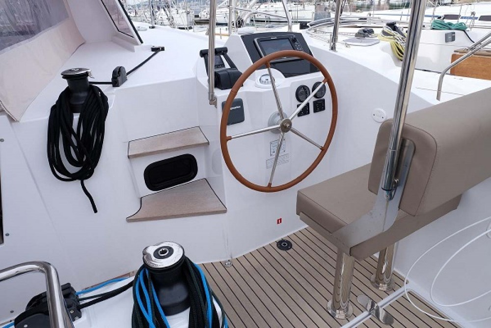 Hire Catamaran with or without skipper Nautitech Trogir