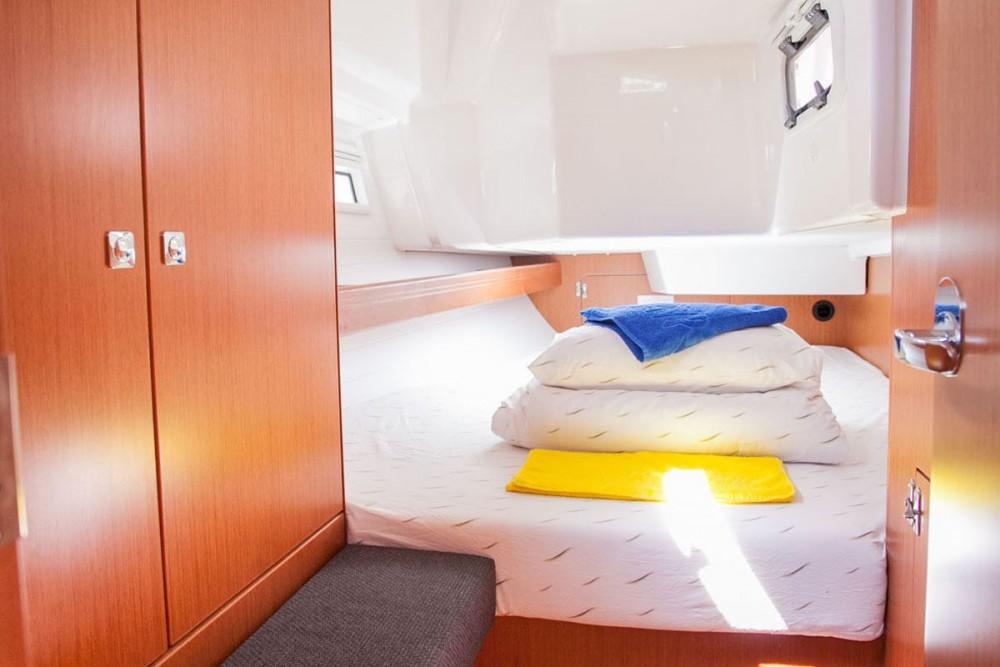 Rental yacht Trogir - Bavaria Bavaria Cruiser 34 on SamBoat