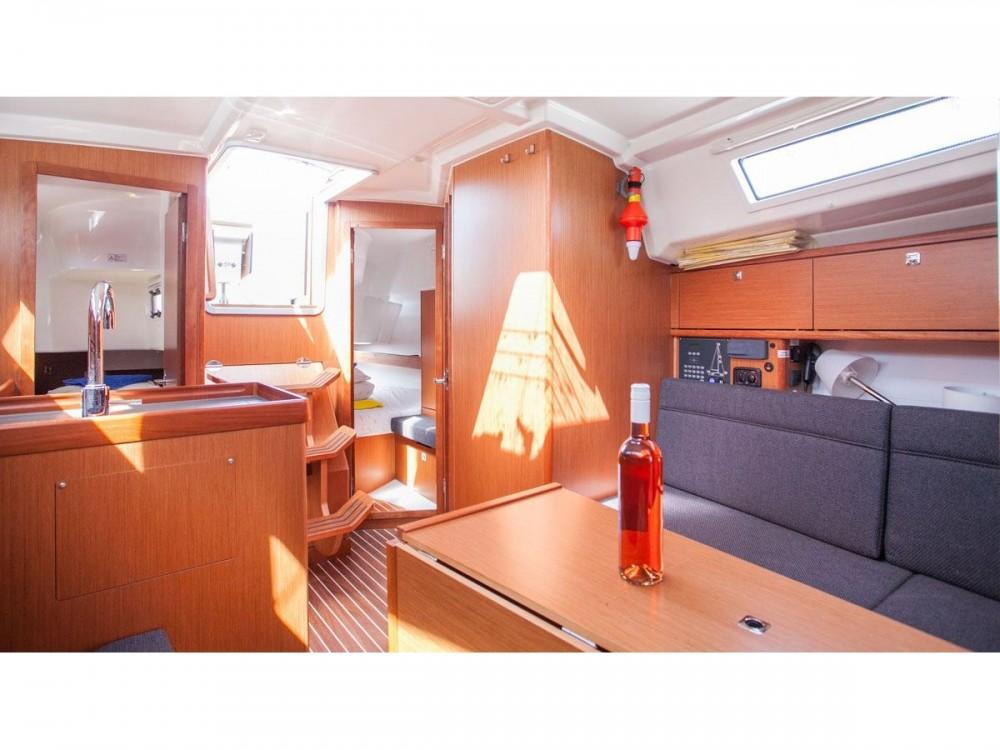 Bavaria Bavaria Cruiser 34 between personal and professional Trogir