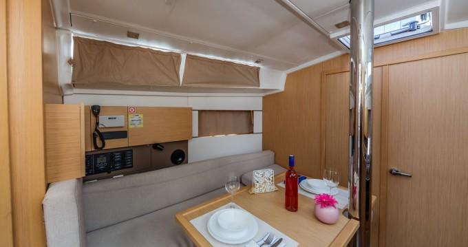 Rental Sailboat in Dubrovnik - Bénéteau Oceanis 38.1