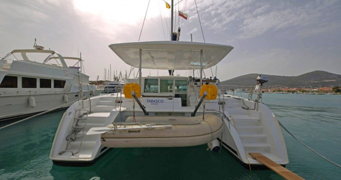 Rental yacht  - Lagoon Lagoon 420 on SamBoat