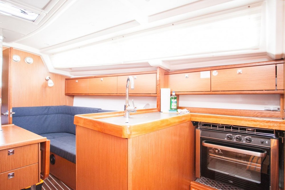 Rental yacht  - Bavaria Bavaria Cruiser 34 on SamBoat