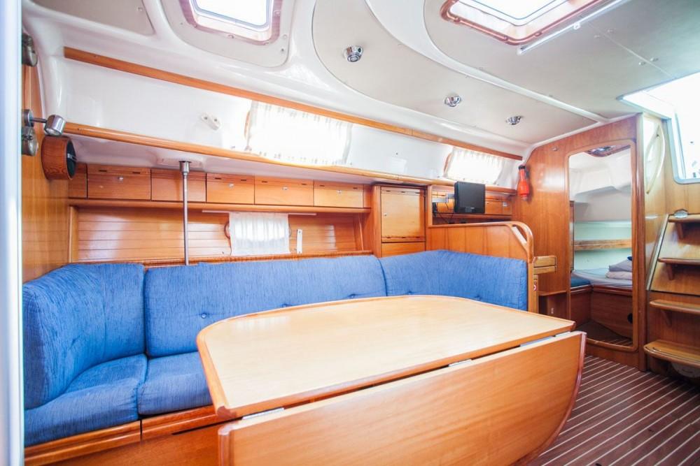Rental yacht Trogir - Bavaria Bavaria 37 Cruiser on SamBoat