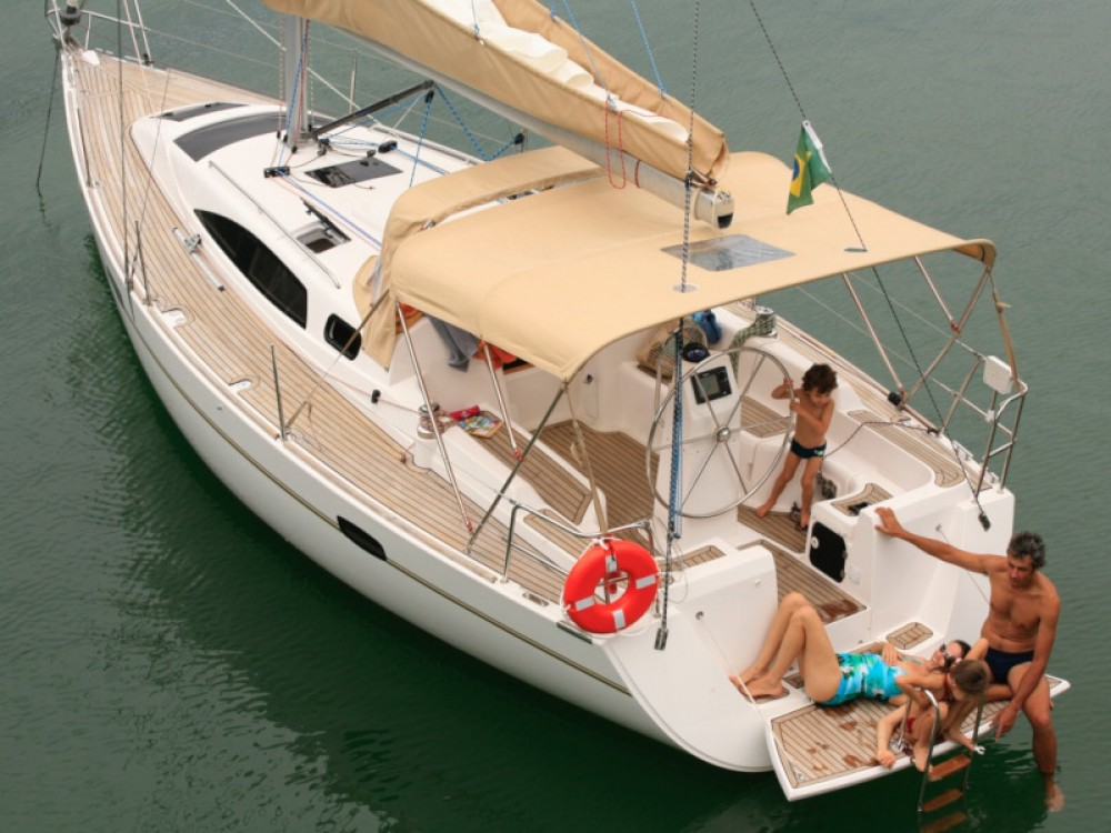 Hire Sailboat with or without skipper  Paraty