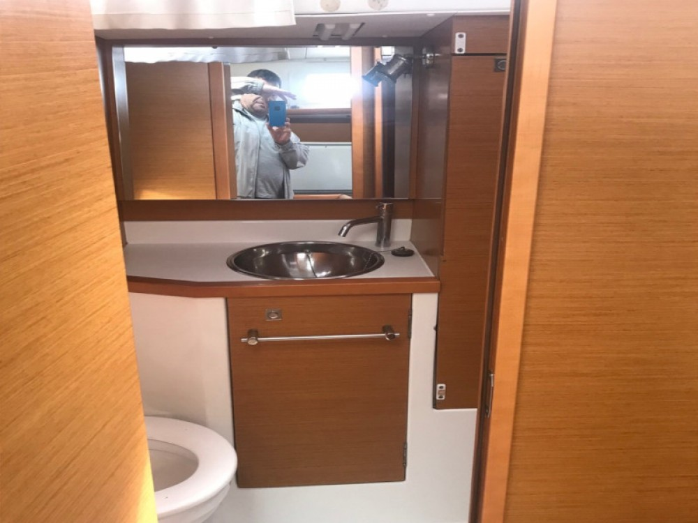 Jeanneau Sun Odyssey 379 between personal and professional Paraty