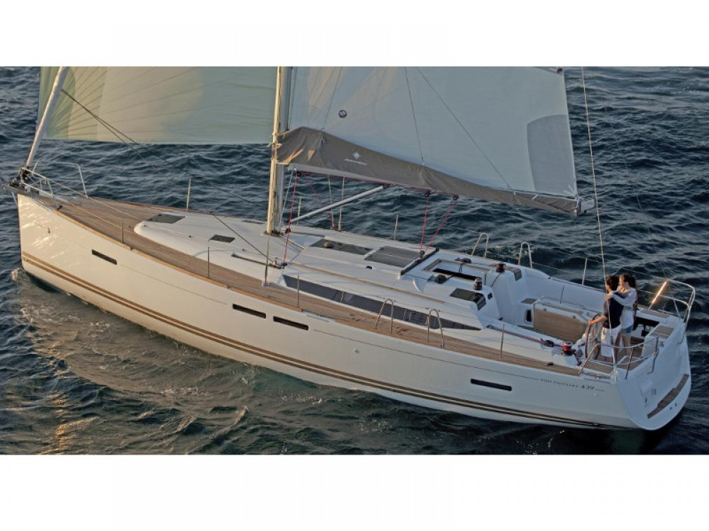 Jeanneau Sun Odyssey 439 between personal and professional Paraty