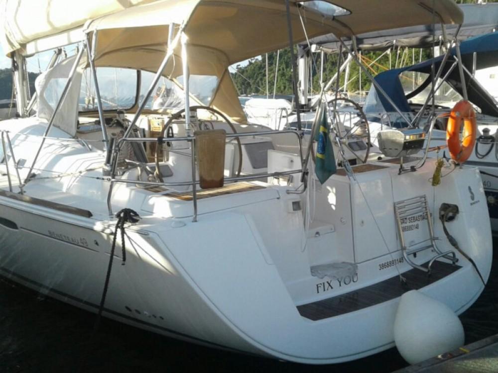 Boat rental Bénéteau Beneteau 49 in Paraty on Samboat