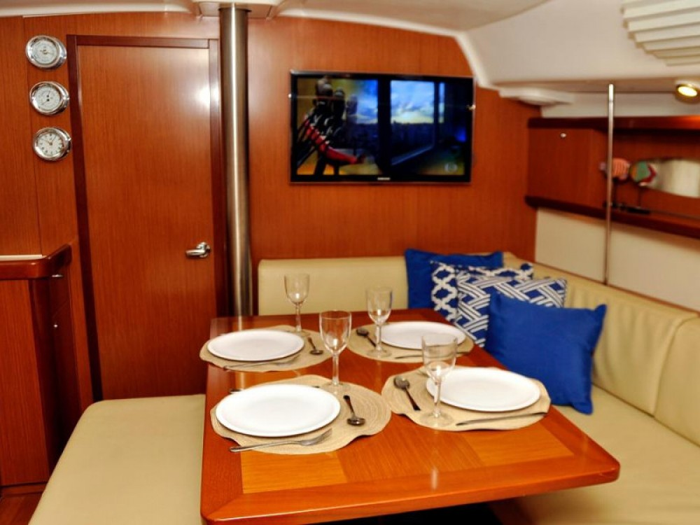 Rental Sailboat in Angra dos Reis - Bénéteau Oceanis 40