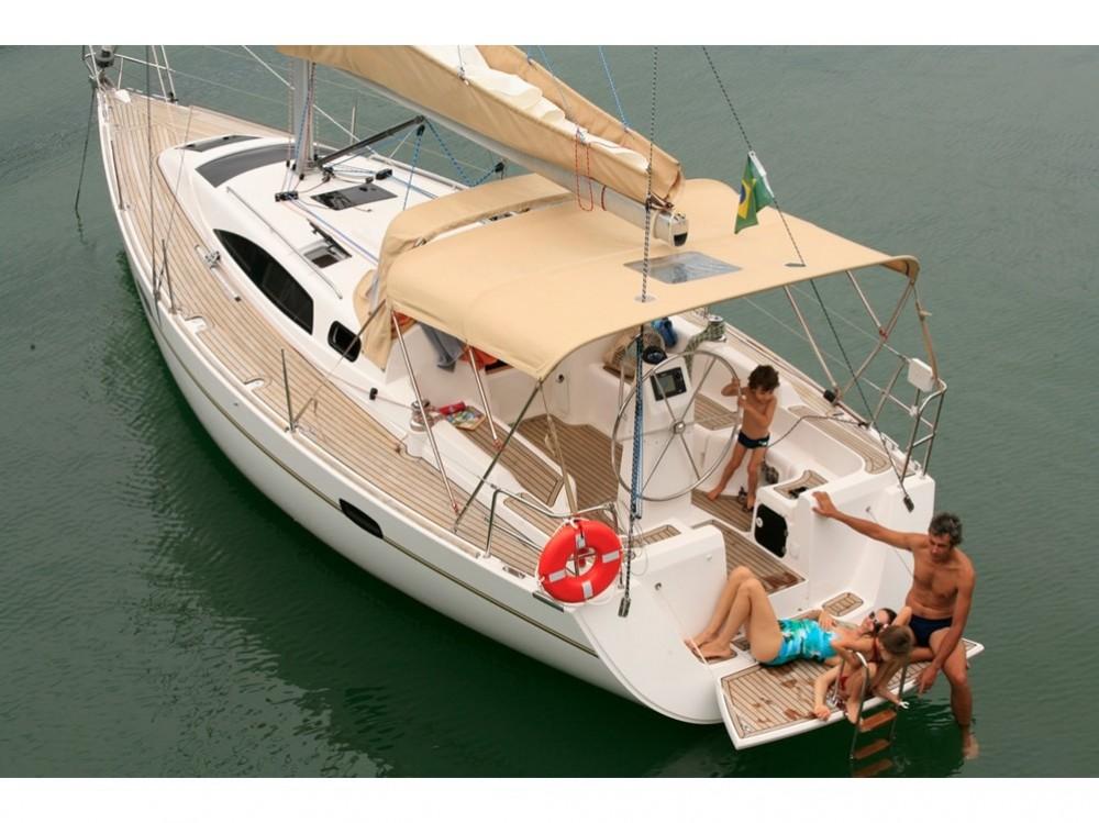 Boat rental  Wind 34 in Paraty on Samboat