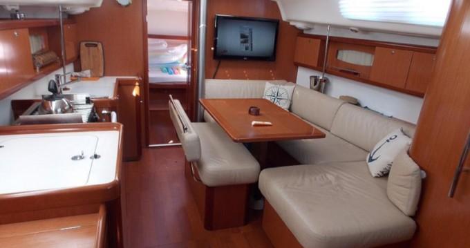 Boat rental Paraty cheap Oceanis 40