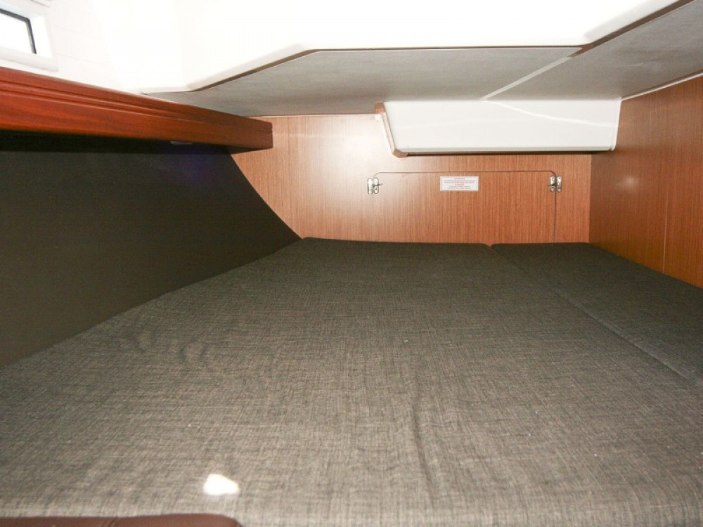 Rent a Bavaria Bavaria Cruiser 37 Rogoznica