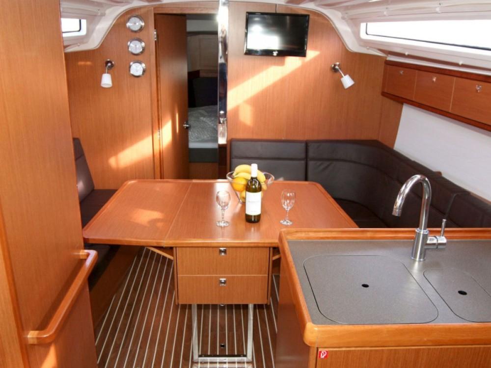 Rental yacht Pula - Bavaria Bavaria Cruiser 37 on SamBoat