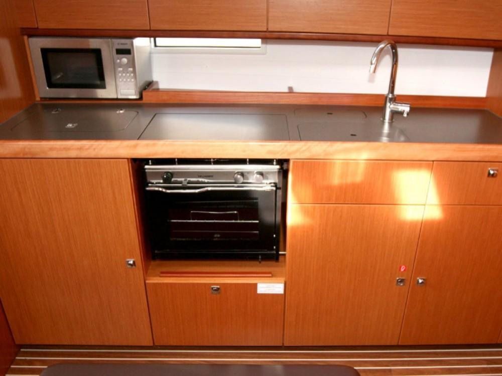 Rental yacht Pola - Bavaria Bavaria Cruiser 41 on SamBoat