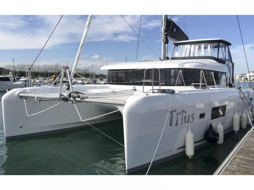 Hire Catamaran with or without skipper Lagoon Rogosnizza