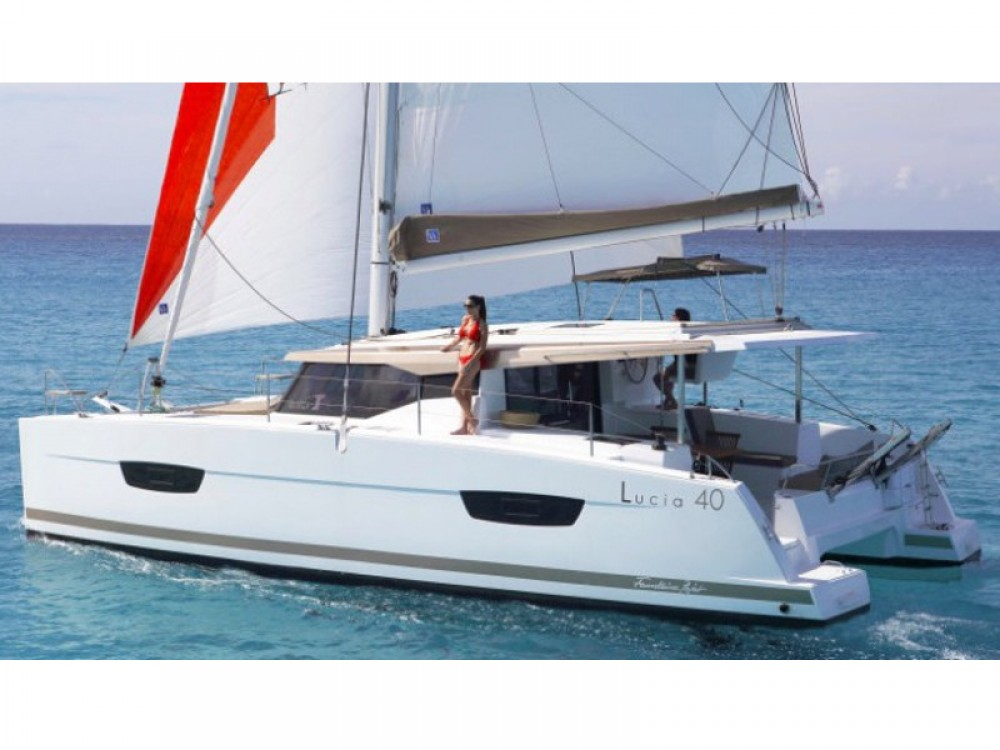 Rental Catamaran in Pula - Fountaine Pajot Lucia 40 - 3 cab