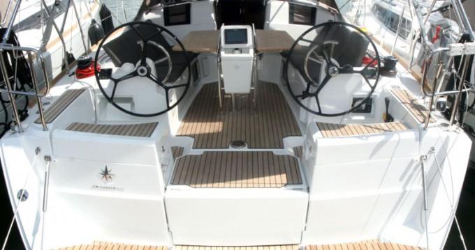 Rental yacht Veruda - Jeanneau Sun Odyssey 389 on SamBoat