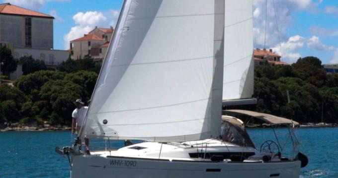 Rental Sailboat in Pula - Jeanneau Sun Odyssey 389