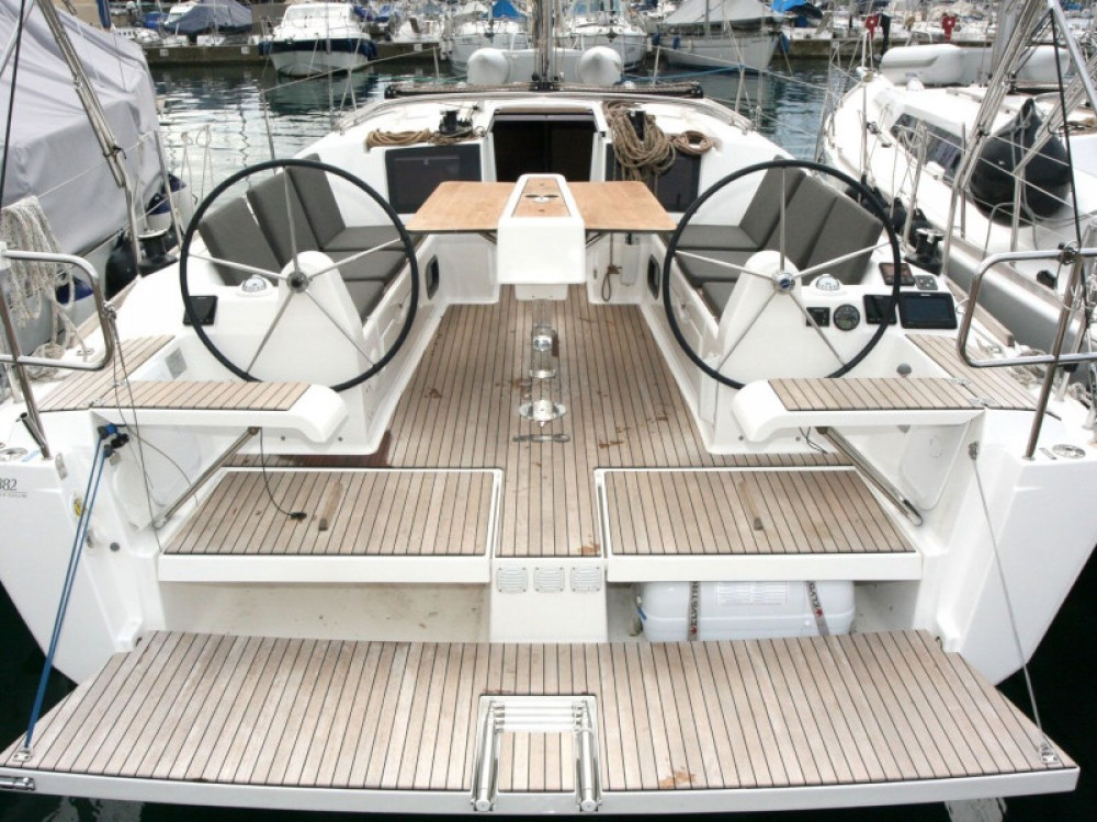 Rental yacht Pula - Dufour Dufour 382 Grand Large - 3 cab on SamBoat