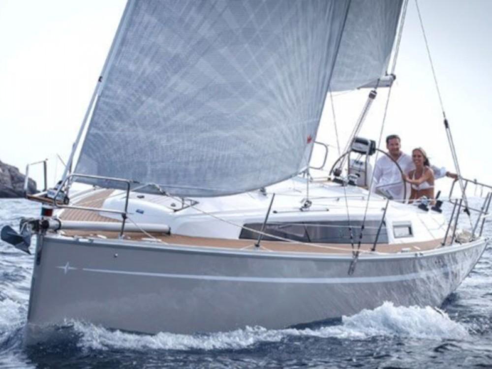 Boat rental Pula cheap Bavaria Cruiser 33