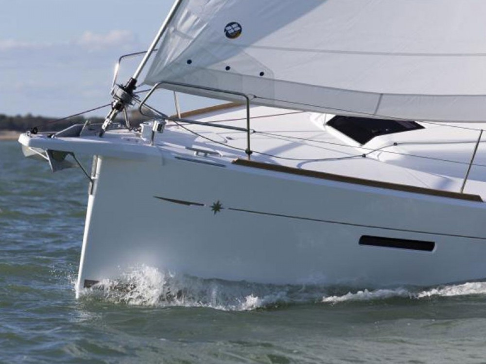 Jeanneau Sun Odyssey 419 between personal and professional Pola