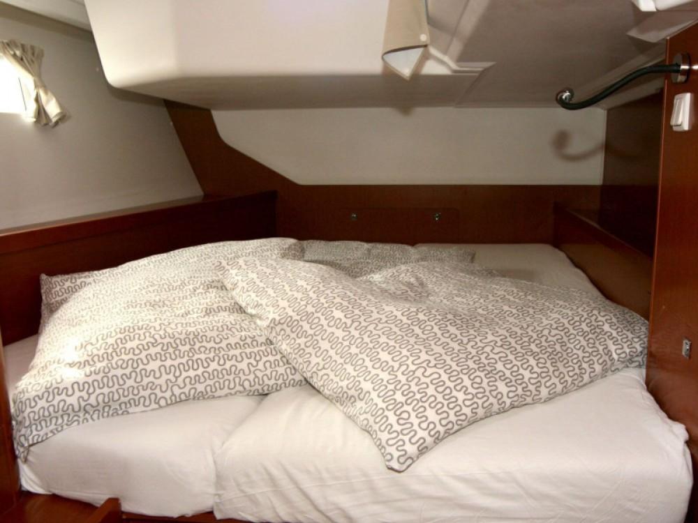 Rental yacht Pula - Bénéteau Oceanis 45 on SamBoat