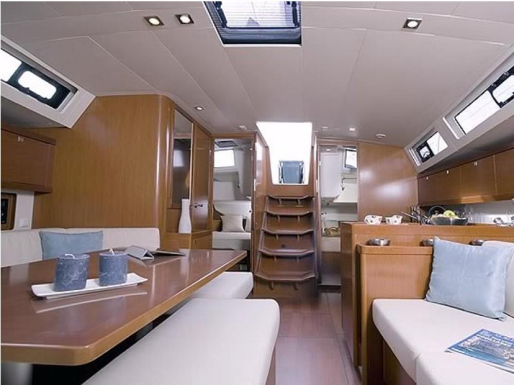 Rental Sailboat in Rogoznica - Bénéteau Oceanis 45