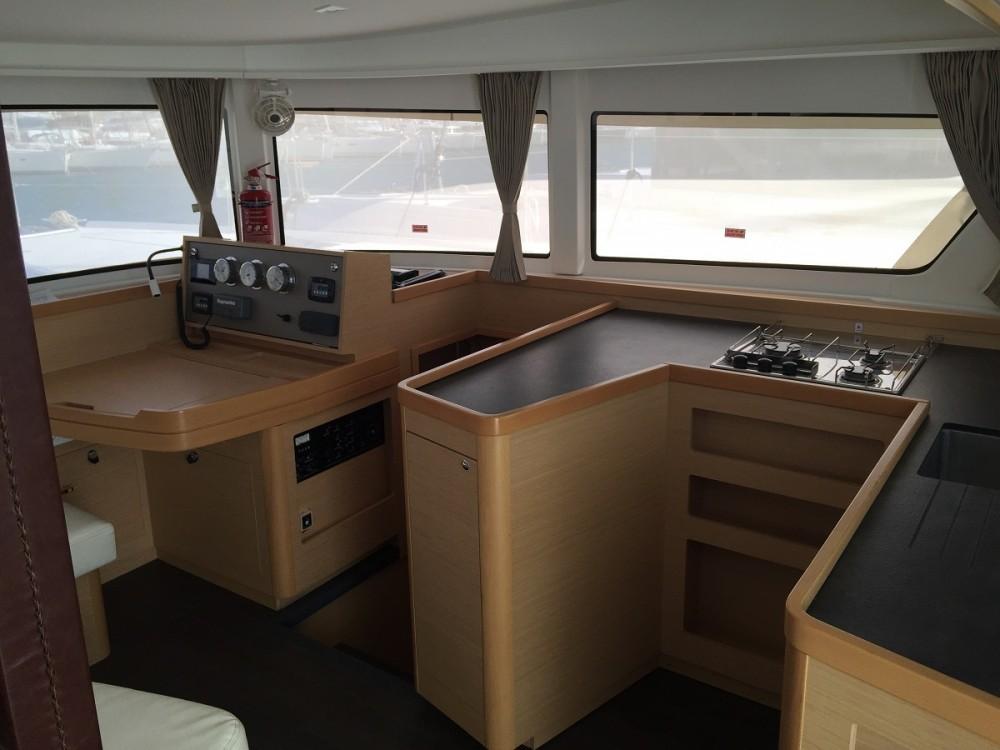 Rental Catamaran in Álimos - Lagoon Lagoon 42