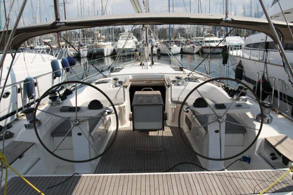 Rental Sailboat in Álimos - Bavaria Bavaria 55 Cruiser