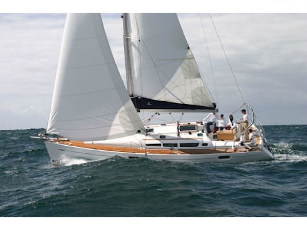 Sailboat for rent Préveza at the best price