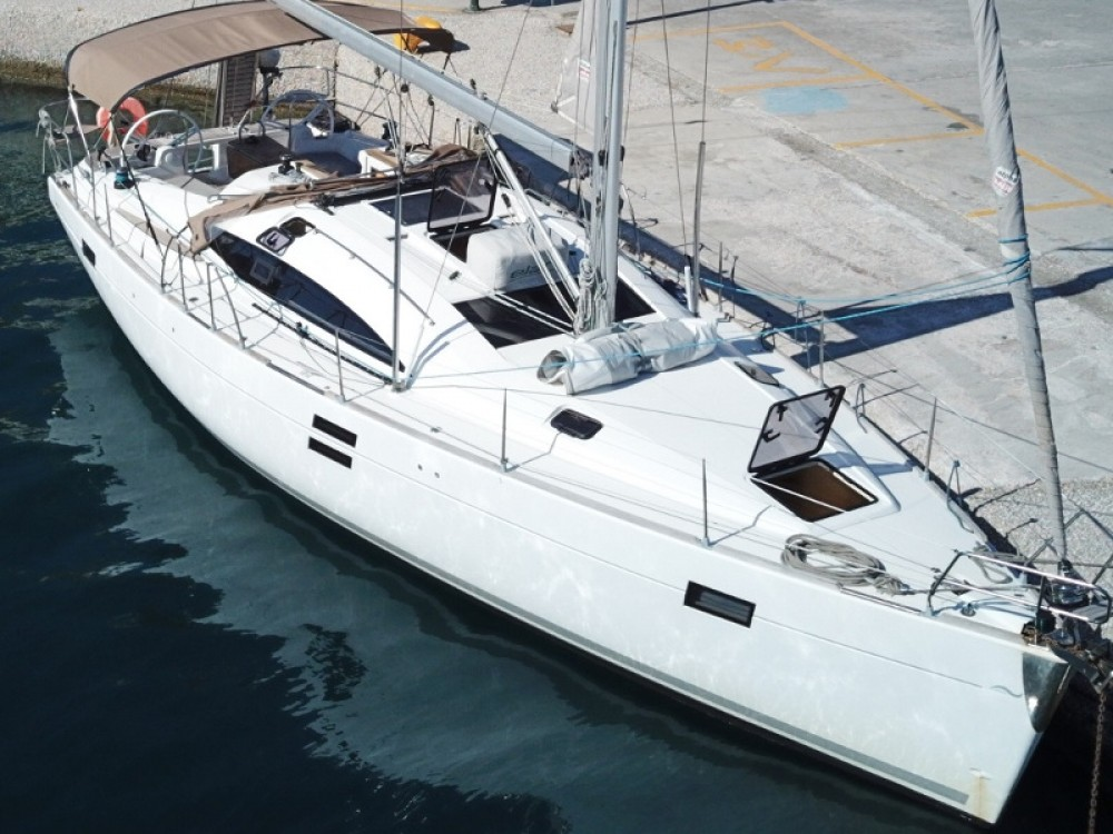 Boat rental Elan Elan 444 Impression in Laurium on Samboat