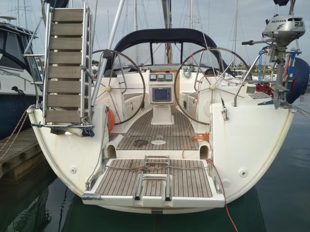 Boat rental Bavaria Bavaria 40 Cruiser in Laurium on Samboat