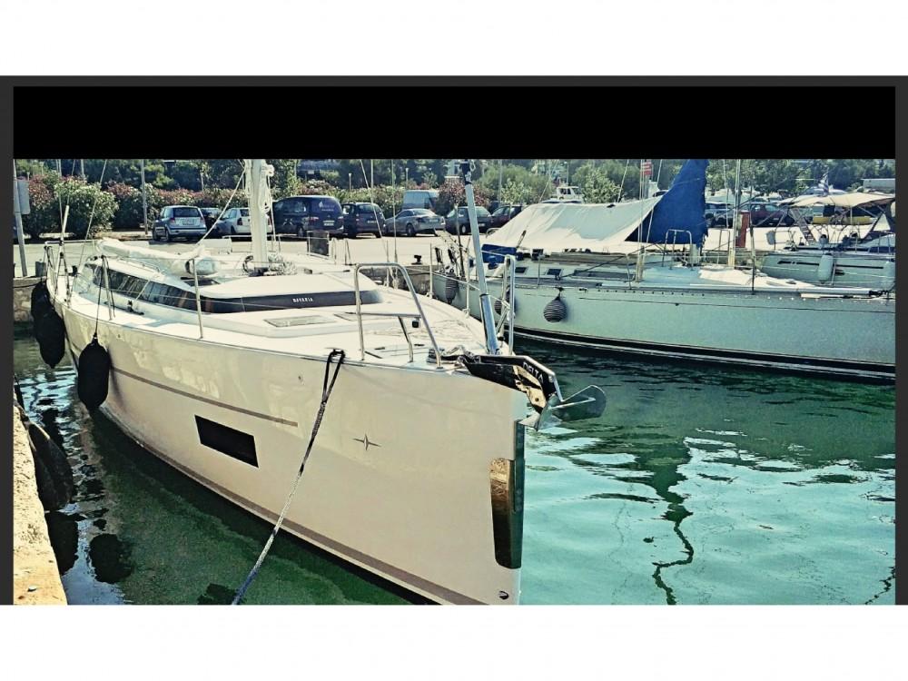 Boat rental Bavaria Bavaria C45 in Alimos Marina on Samboat
