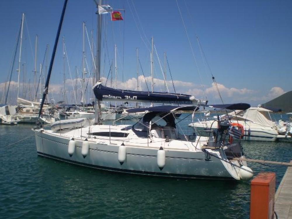 Boat rental Elan Elan 340 in Alimos Marina on Samboat