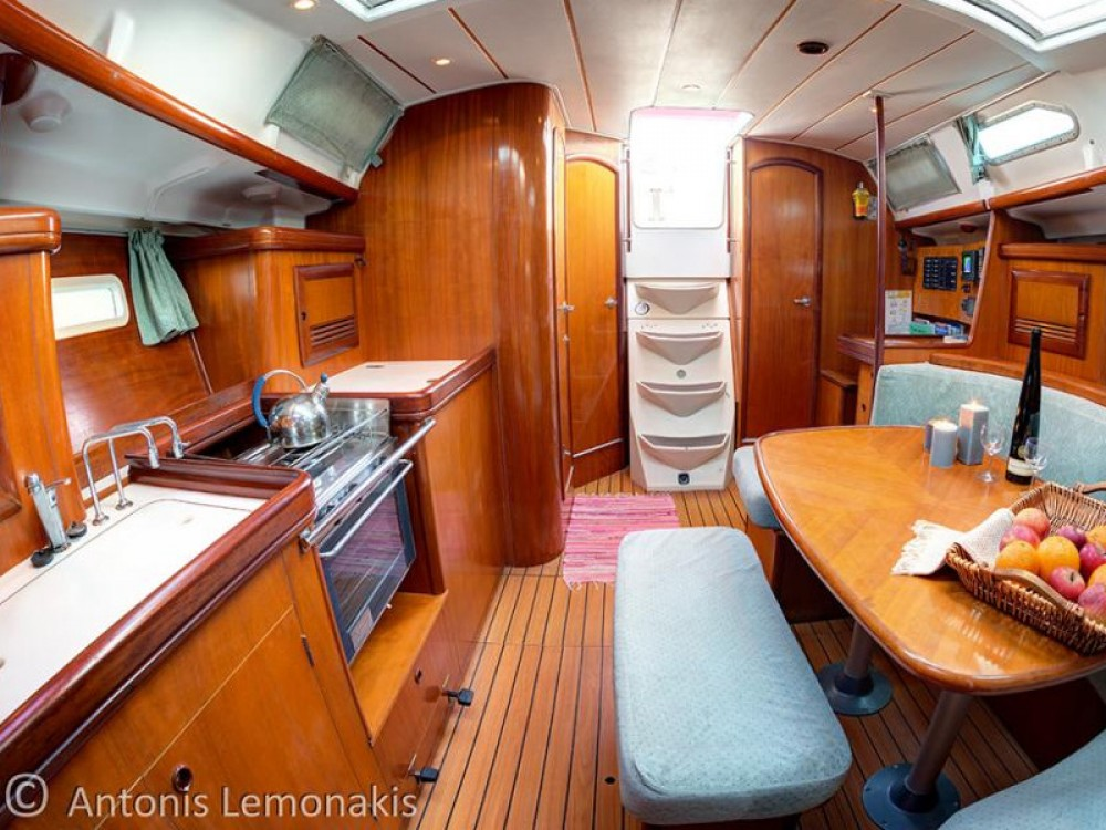Sailboat for rent Áno Sýros at the best price