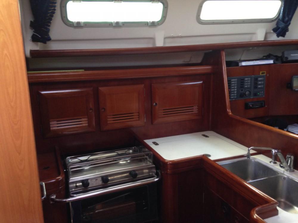 Rental Sailboat in Alimos Marina - Bénéteau Oceanis 373 Clipper