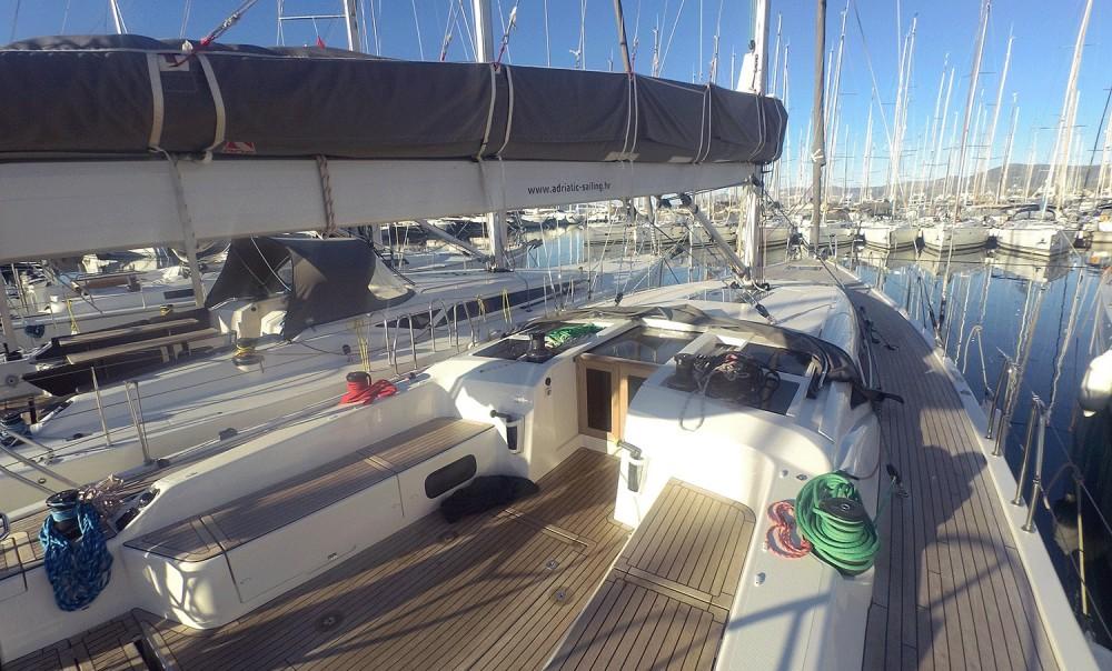 Sailboat for rent Marina Kaštela at the best price